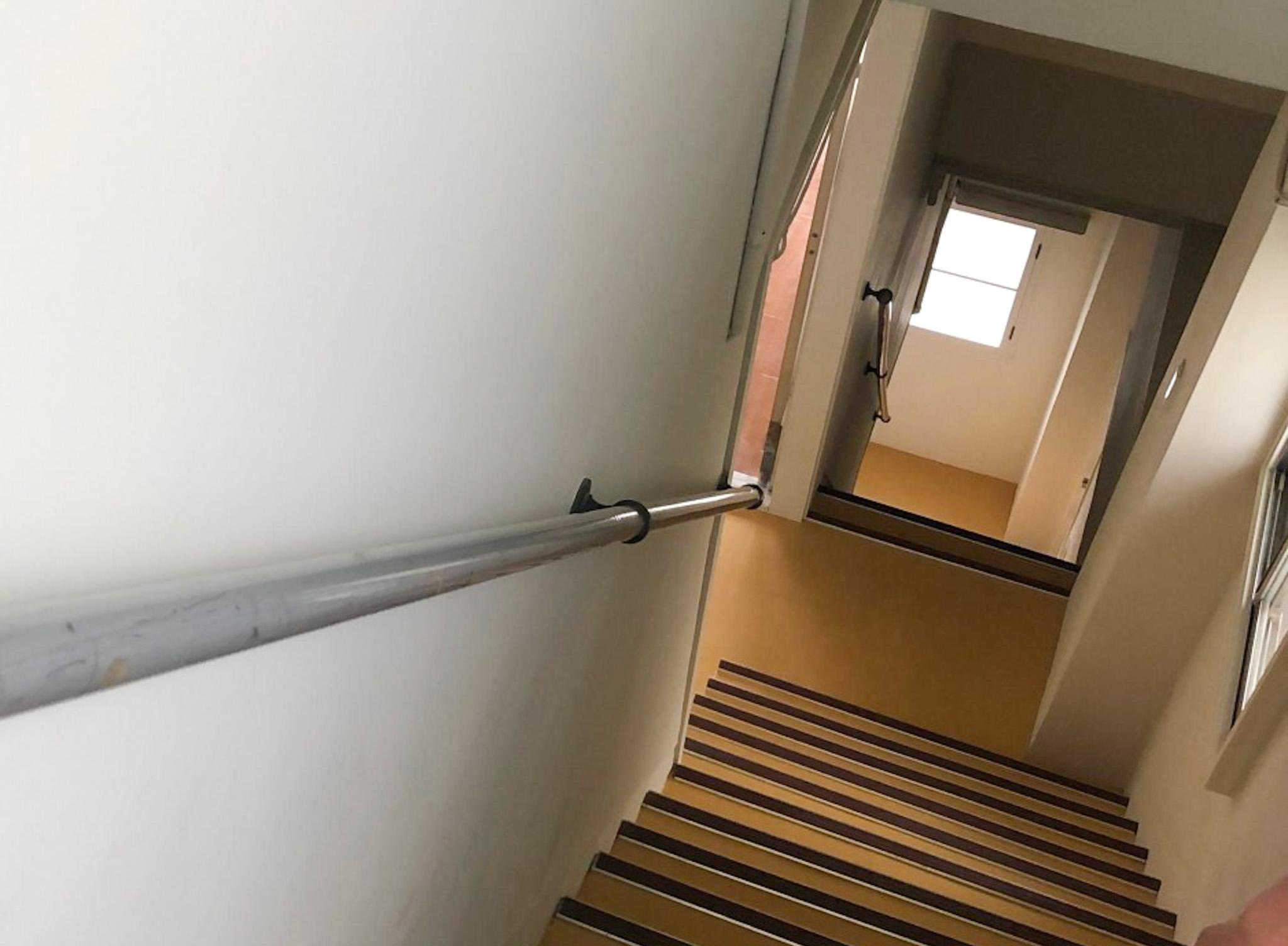 急な階段のリフォーム~築年数50年以上・賃貸戸建て物件の全面リノベーション~