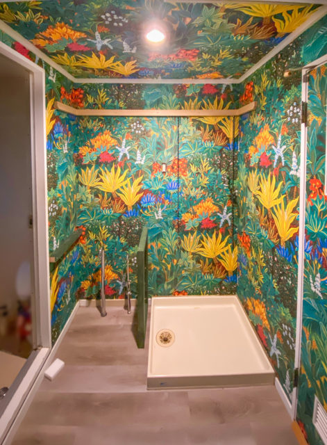 洗面床フロアタイル・壁・天井の壁紙貼り替えリフォーム