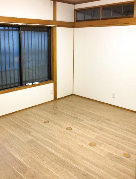 土壁からクロス(壁紙)へリフォーム・障子から間仕切り壁新設・床面埋め込みコンセント