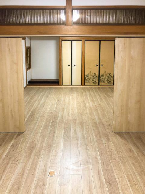 二間続きの和室の洋室化・襖から建具へ畳からフローリングへ張り替え