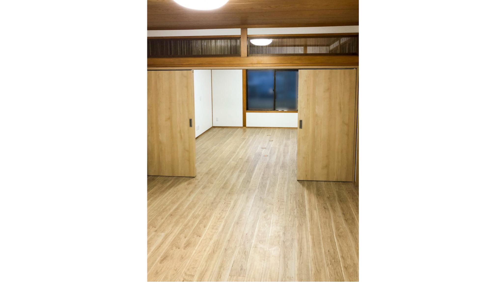 二間続きの和室をオフィスに/床の張り替えと床埋め込みコンセント(尼崎市)