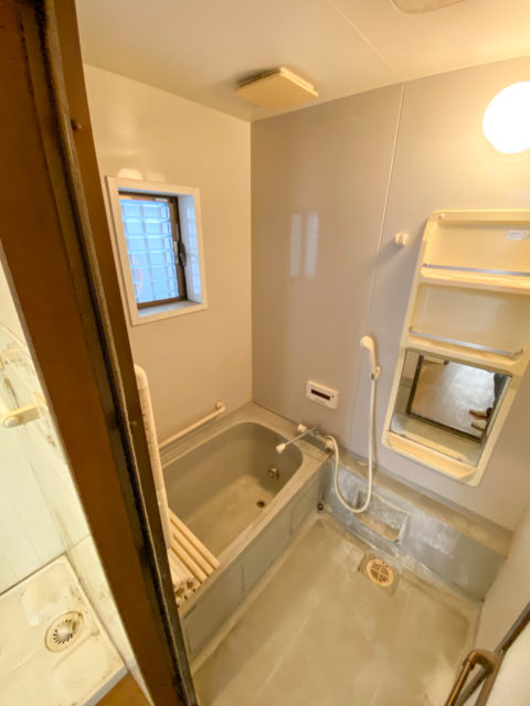 お風呂のリフォーム施工前写真・ユニットバスの交換