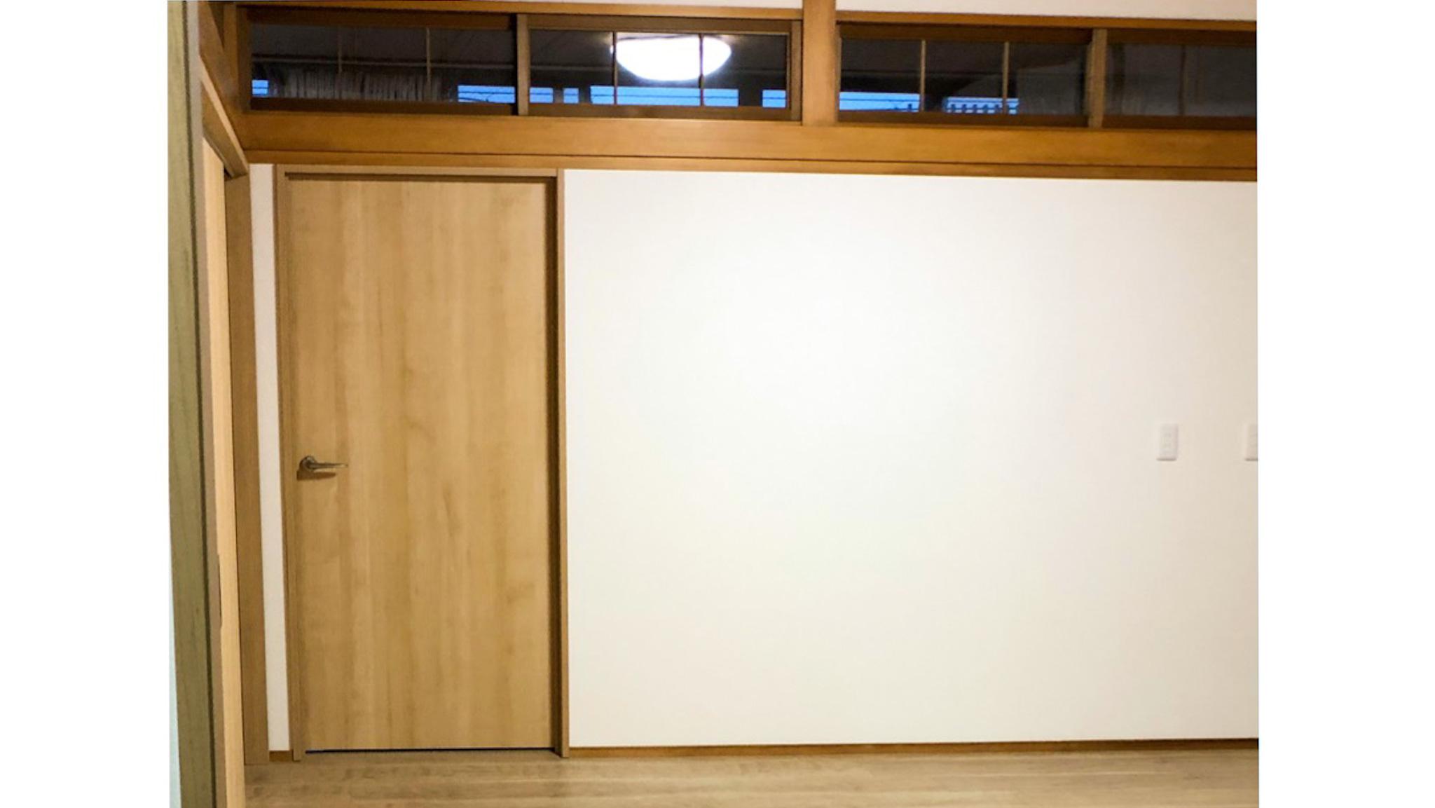 二間続きの和室をオフィスに/上吊り引き戸と開き戸(尼崎)