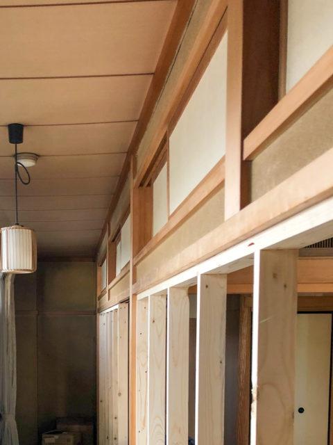 和室から洋室へ|欄間を残し障子部分を壁にリフォーム