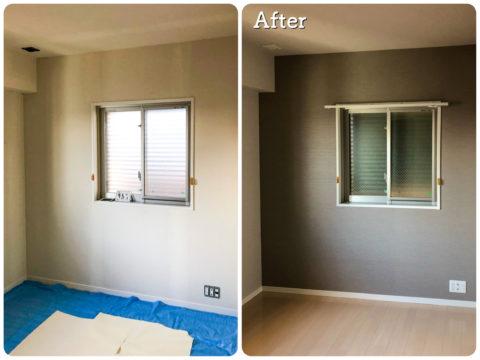 クロス(壁紙)をめくった状態の写真とクロス(壁紙) 貼り替えリフォーム後写真/アクセントウォールのあるお部屋